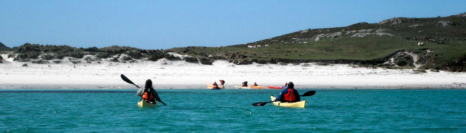 kayaking-to-a-beach